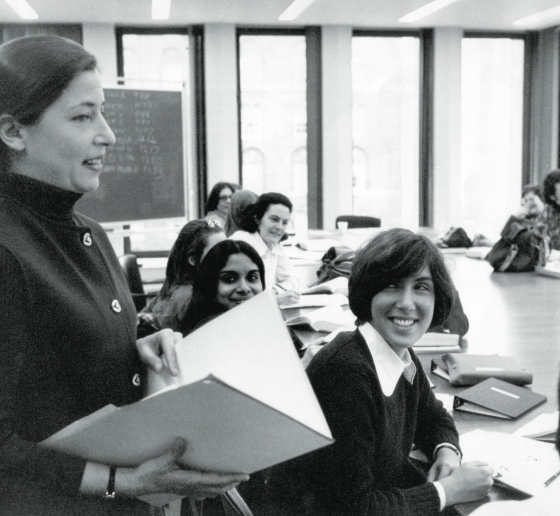 Image of Ruth Bader Ginsburg '59 teaching in a Columbia Law classroom